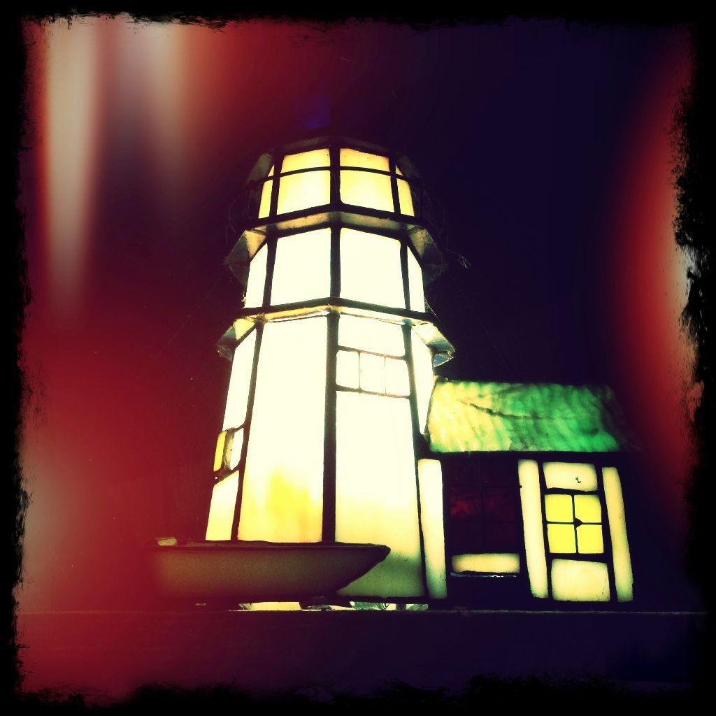 Zur Feuershow der Pyromantiker in Kloster - einfach auf den Leuchtturm zuhalten...